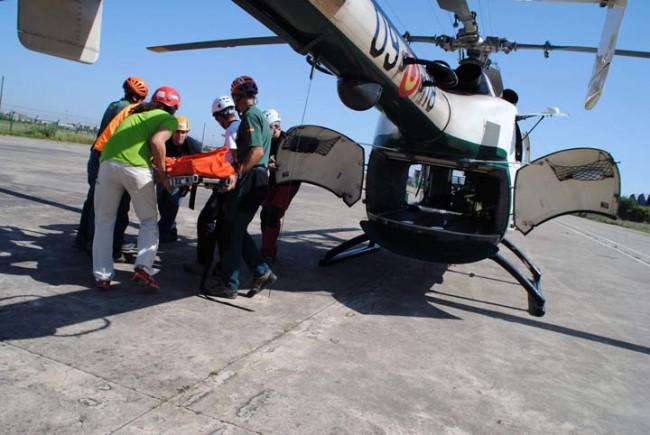 Acceso por la bodega del helicóptero