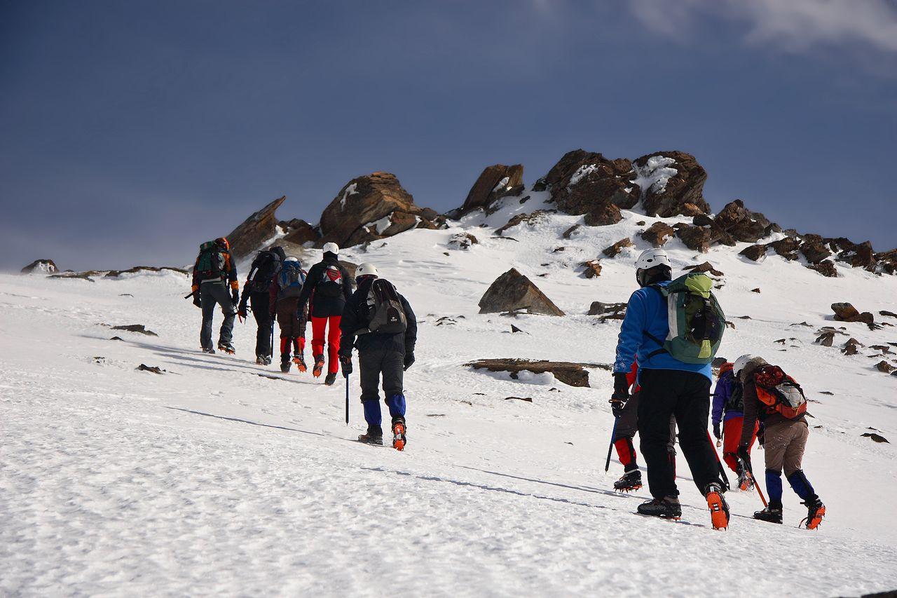Alpinismo, Progresión con crampones