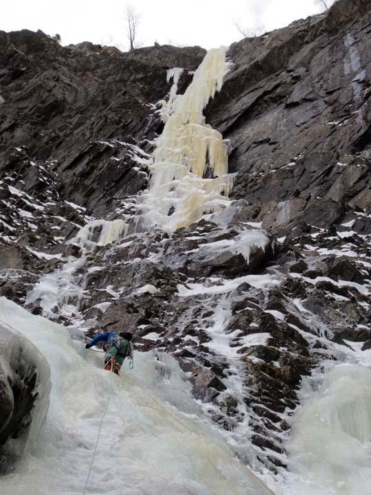 Escalada hielo Rjukan - Juvsoyla WI 6
