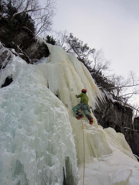 Escalada hielo Rujkan