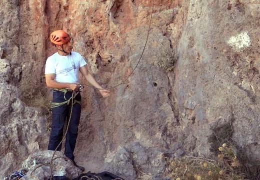 Cómo asegurar en escalada deportiva